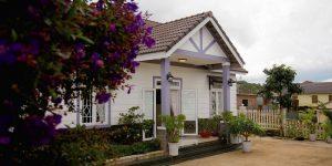 Villa Đà Lạt D288 - Khuôn viên sân vườn rộng rãi