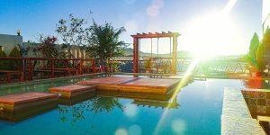 Villa Đà Lạt D056 - Bể bơi - View thung lũng đèn